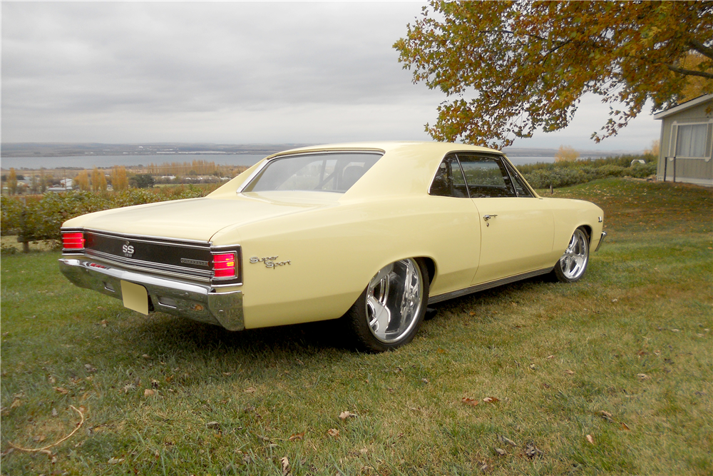 1967 CHEVROLET CHEVELLE CUSTOM HARDTOP - Side Profile - 189532
