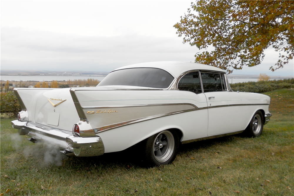 1957 CHEVROLET BEL AIR CUSTOM HARDTOP - Side Profile - 189539