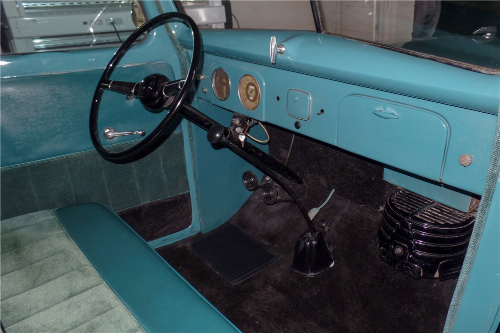 1938 FORD CUSTOM PICKUP - Interior - 189550