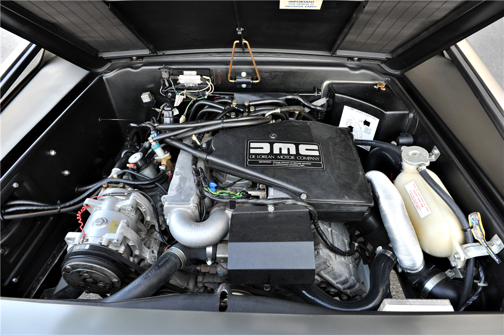 1981 DELOREAN DMC-12 GULLWING - Engine - 189557