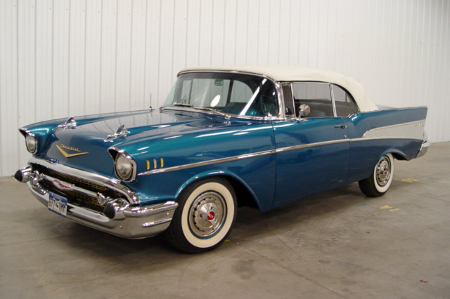 1957 CHEVROLET BEL AIR CUSTOM CONVERTIBLE - Side Profile - 189576