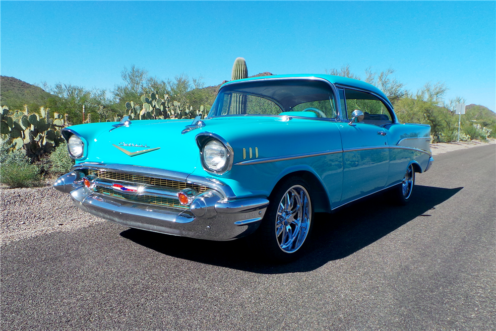 1957 CHEVROLET BEL AIR CUSTOM HARDTOP - Front 3/4 - 189589