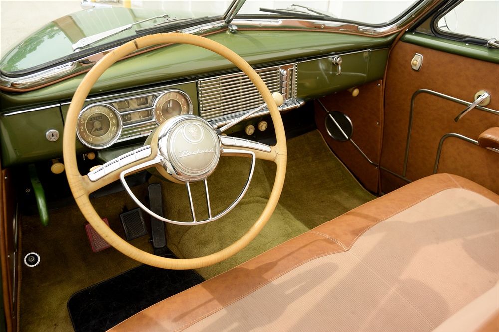 1948 PACKARD SUPER 8 CONVERTIBLE - Interior - 189592