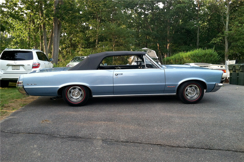 1965 PONTIAC LEMANS CONVERTIBLE - Rear 3/4 - 189607