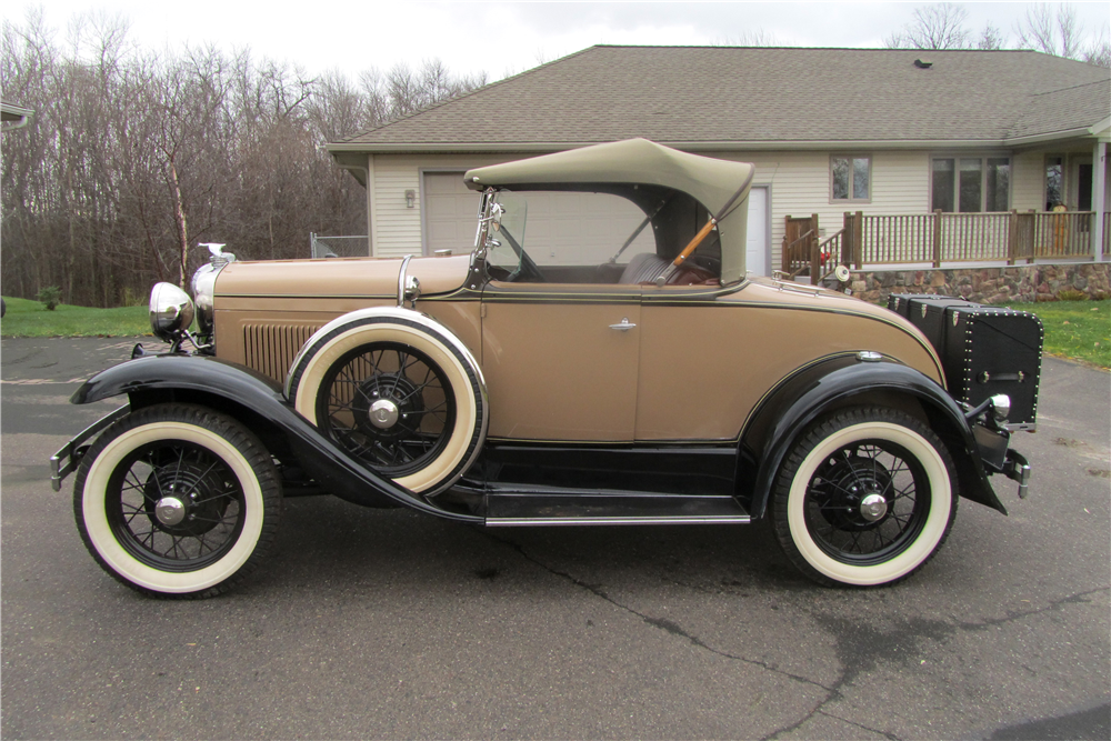 1930 FORD MODEL A DELUXE ROADSTER - Side Profile - 189610