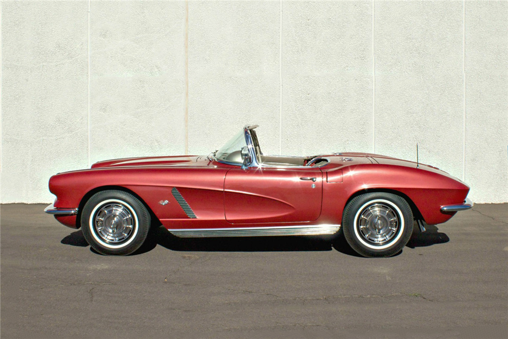 1962 CHEVROLET CORVETTE CONVERTIBLE - Side Profile - 189612