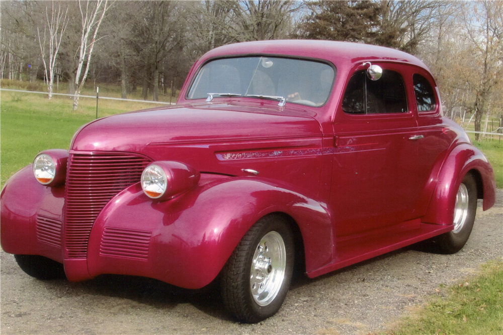 1939 CHEVROLET CUSTOM COUPE - Front 3/4 - 189622