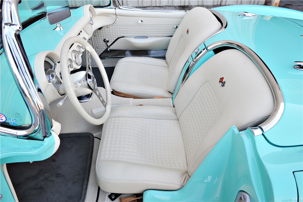 1957 CHEVROLET CORVETTE CUSTOM CONVERTIBLE - Interior - 189637