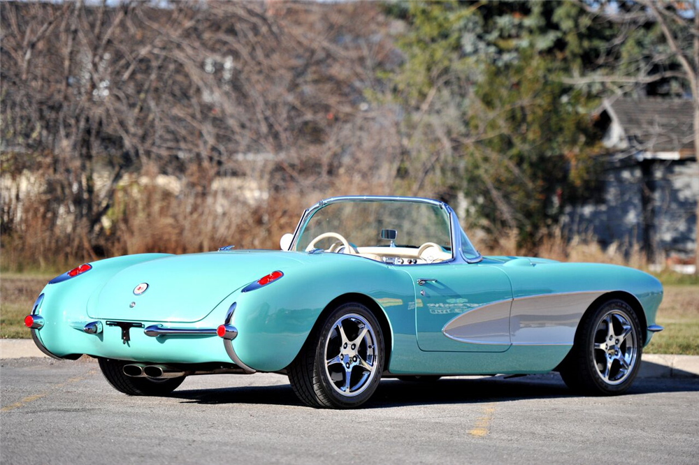 1957 CHEVROLET CORVETTE CUSTOM CONVERTIBLE - Rear 3/4 - 189637