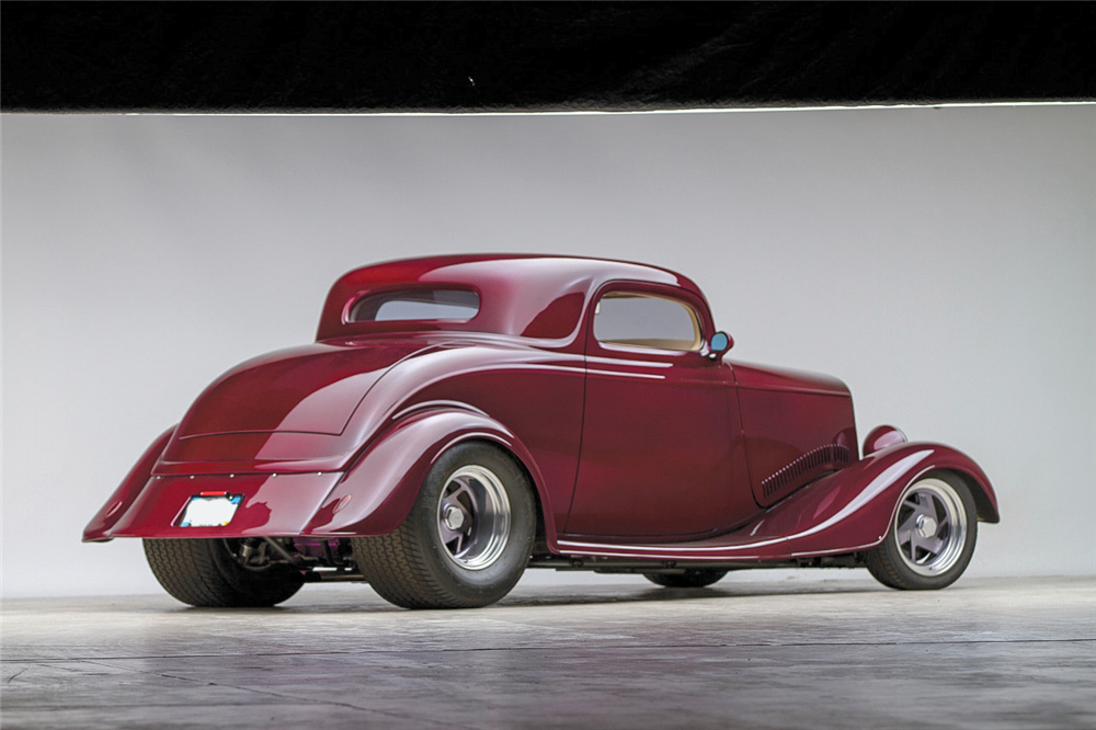 1933 FORD CUSTOM COUPE - Rear 3/4 - 189641