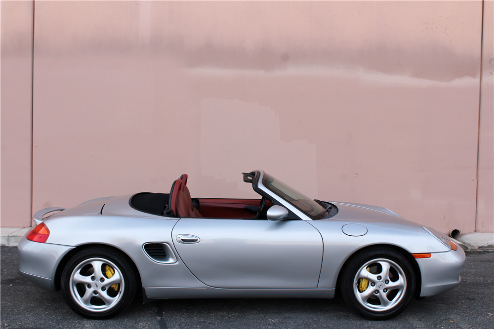 1997 PORSCHE BOXSTER CONVERTIBLE - Side Profile - 189645