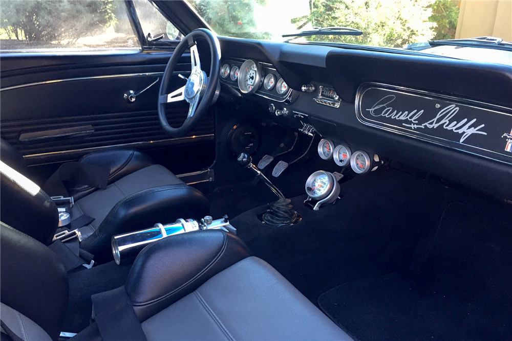 1965 FORD MUSTANG CUSTOM FASTBACK - Interior - 189657