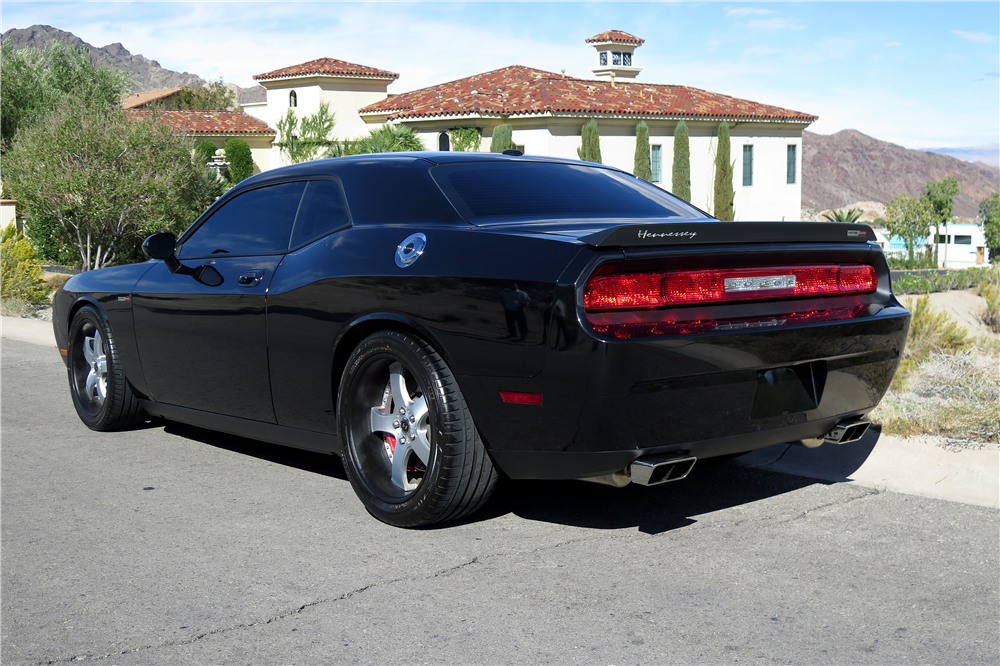 2010 DODGE CHALLENGER SRT8  - Rear 3/4 - 189664