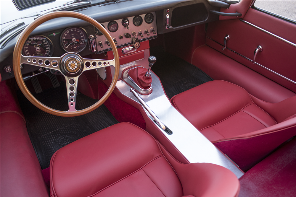 "1961 JAGUAR XKE ""OUTSIDE BONNET LATCH"" ROADSTER - Interior - 189675"