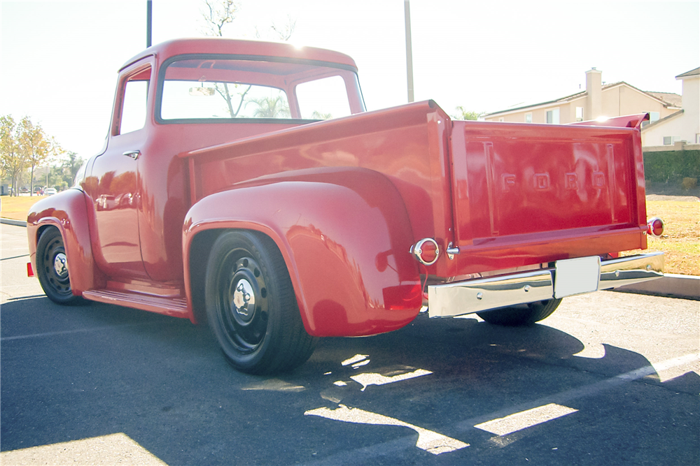 1956 FORD F-100 CUSTOM PICKUP - Rear 3/4 - 189681