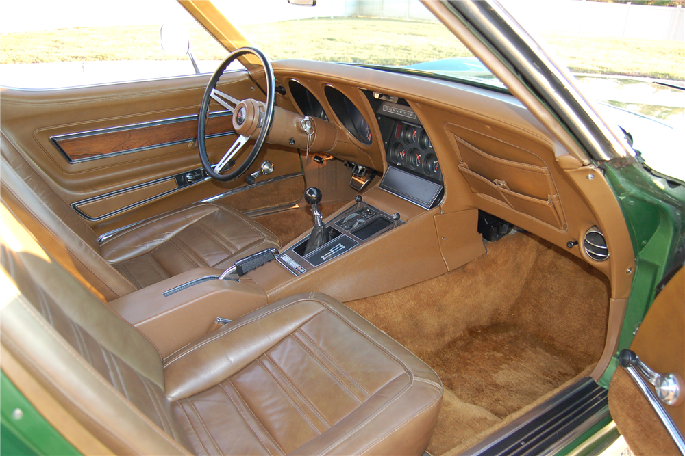 1972 CHEVROLET CORVETTE ZR1 - Interior - 189695