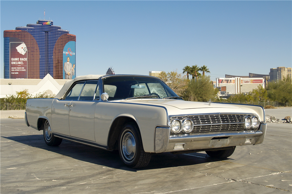 1962 LINCOLN CONTINENTAL CONVERTIBLE - Front 3/4 - 189728