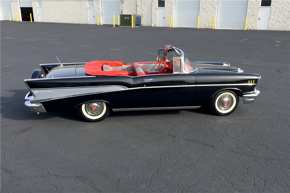 1957 CHEVROLET BEL AIR CONVERTIBLE - Side Profile - 189756