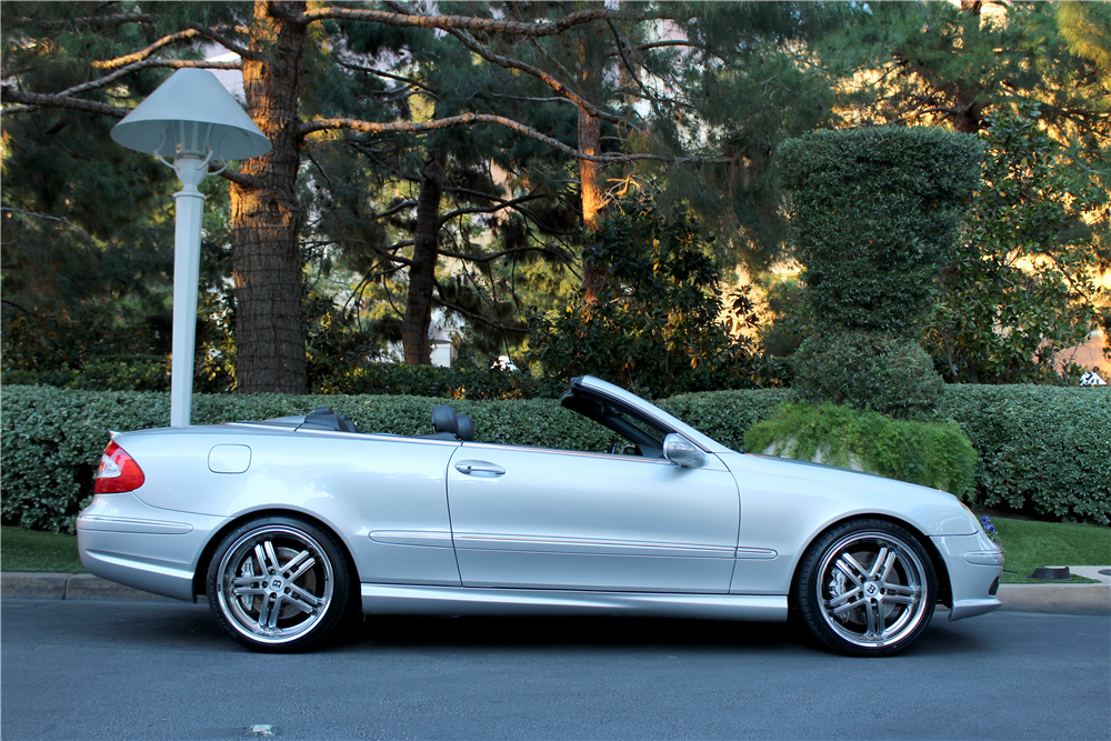2005 MERCEDES-BENZ CLK 55 AMG CONVERTIBLE - Side Profile - 189767