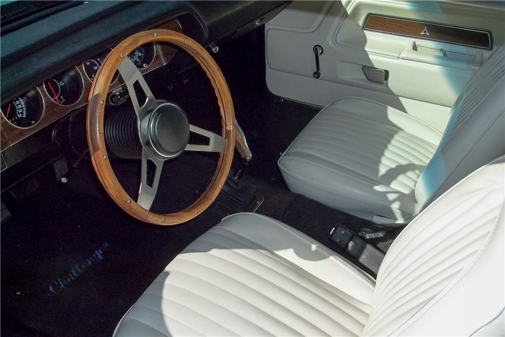 1974 DODGE CHALLENGER - Interior - 189789