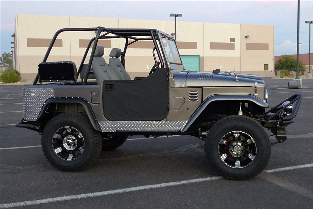 1974 TOYOTA LAND CRUISER FJ-40 CUSTOM SUV - Side Profile - 189803