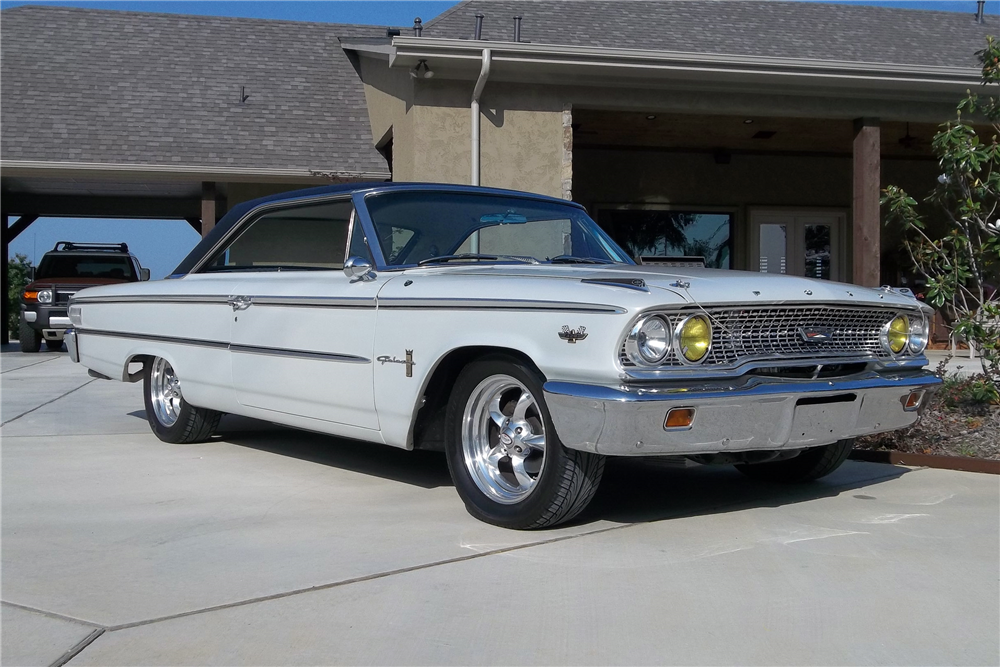 1963 FORD GALAXIE 500 CUSTOM FASTBACK - Front 3/4 - 189813