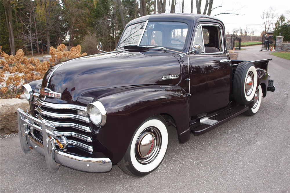 1953 CHEVROLET 3100 DELUXE 5-WINDOW PICKUP - Front 3/4 - 189828