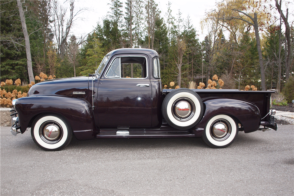 1953 CHEVROLET 3100 DELUXE 5-WINDOW PICKUP - Side Profile - 189828