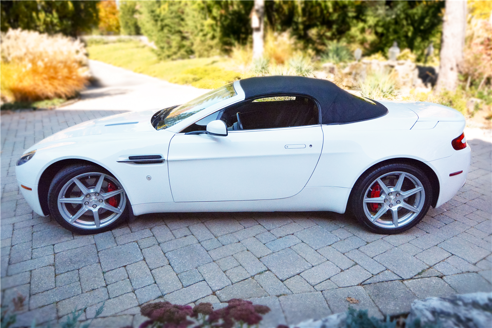 2008 ASTON MARTIN VANTAGE CONVERTIBLE - Side Profile - 189832