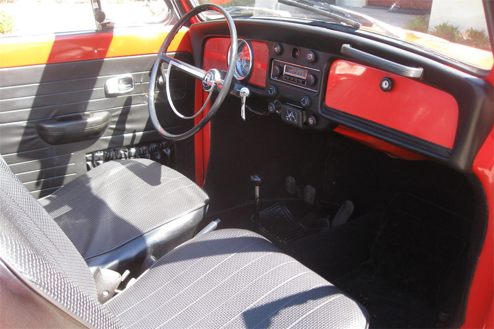 1968 VOLKSWAGEN BEETLE CONVERTIBLE - Interior - 189837