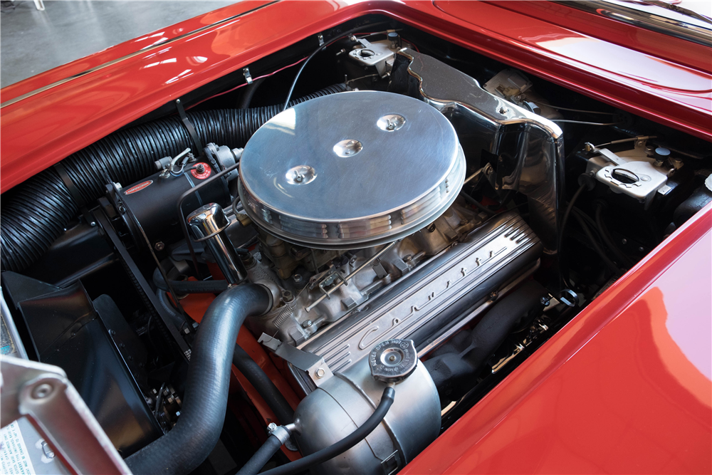 1961 CHEVROLET CORVETTE CONVERTIBLE - Engine - 189899