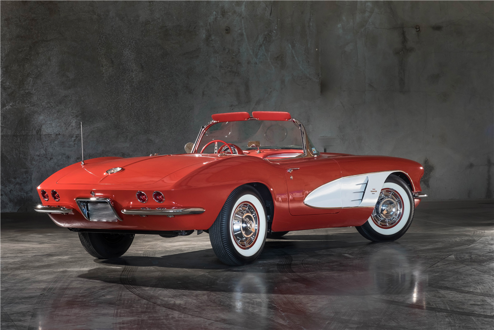 1961 CHEVROLET CORVETTE CONVERTIBLE - Rear 3/4 - 189899