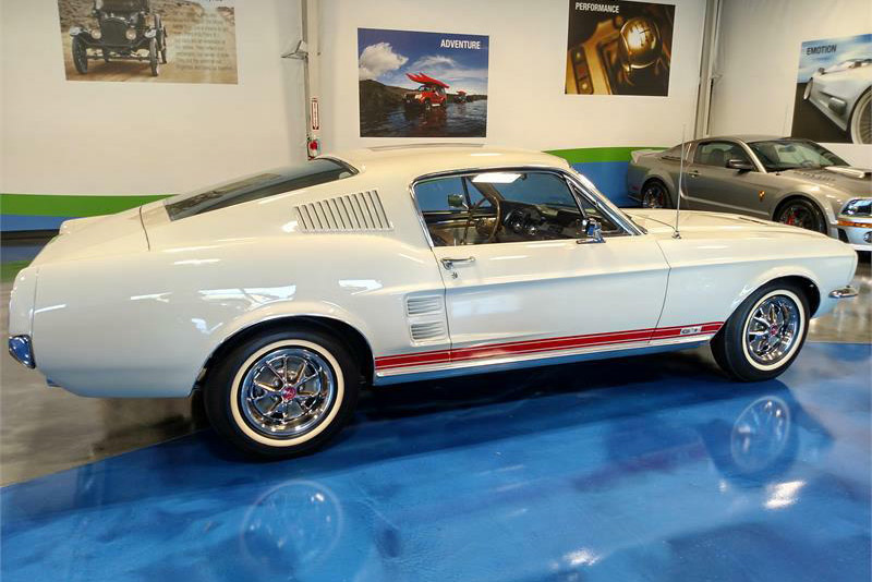 1967 FORD MUSTANG GT S-CODE FASTBACK - Side Profile - 189919