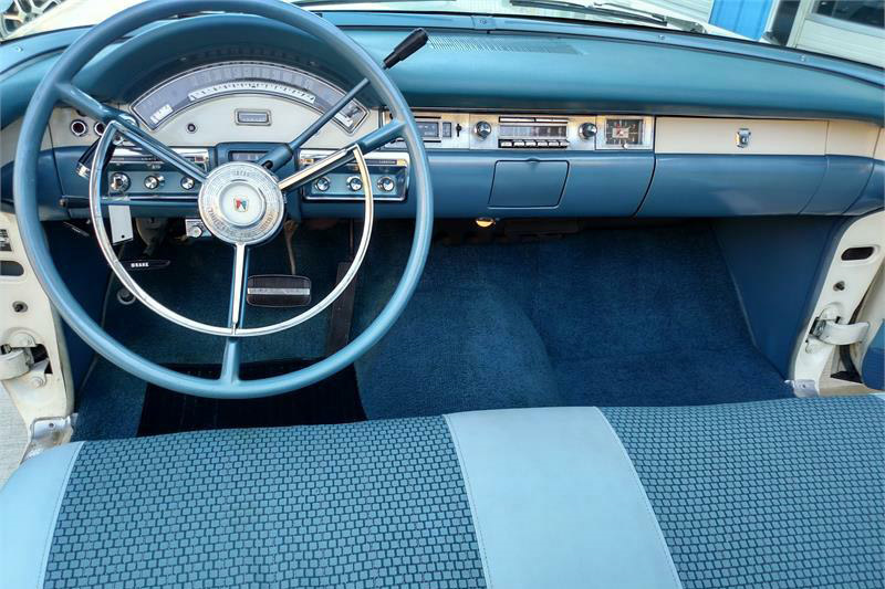 1957 FORD SKYLINER RETRACTABLE HARDTOP - Interior - 189920
