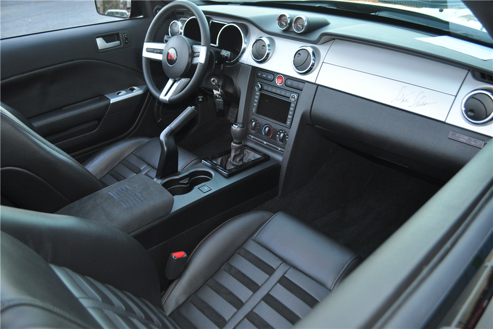 2009 SALEEN MUSTANG DARK HORSE ROADSTER - Interior - 189938