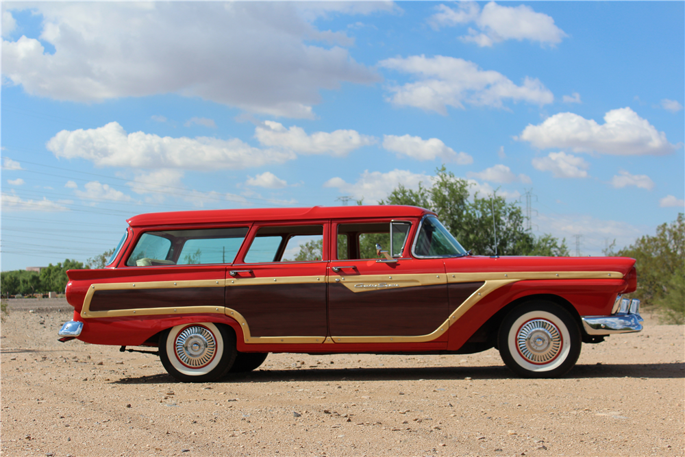 1957 FORD COUNTRY SQUIRE WOODY WAGON - Side Profile - 189955