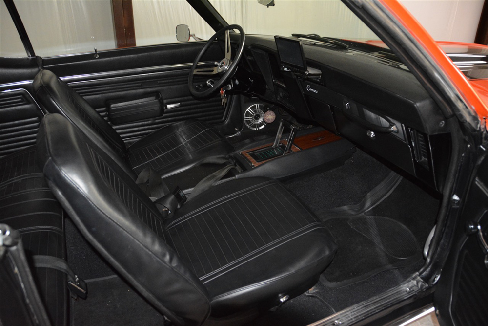1969 CHEVROLET CAMARO RS/SS RE-CREATION - Interior - 189979