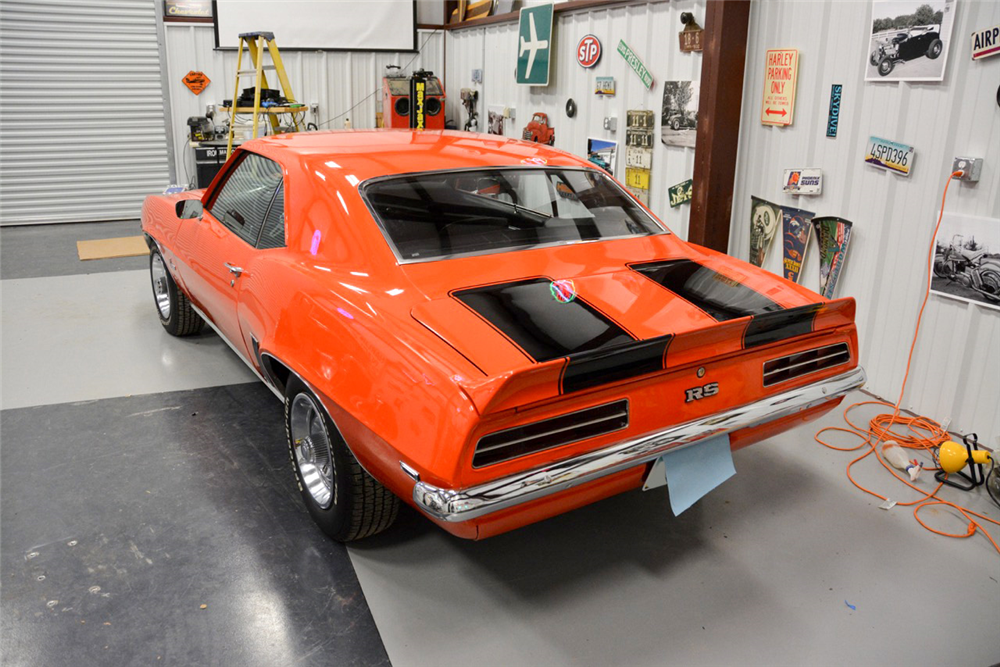 1969 CHEVROLET CAMARO RS/SS RE-CREATION - Rear 3/4 - 189979