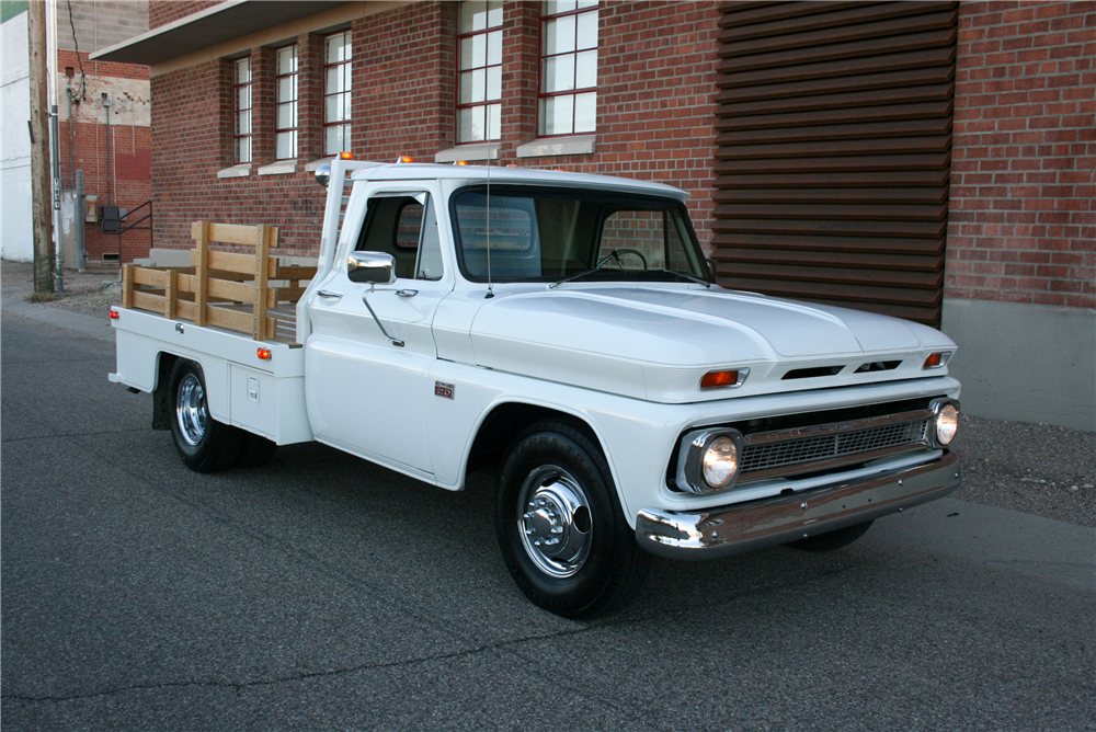 1966 CHEVROLET STAKEBED - Front 3/4 - 189990