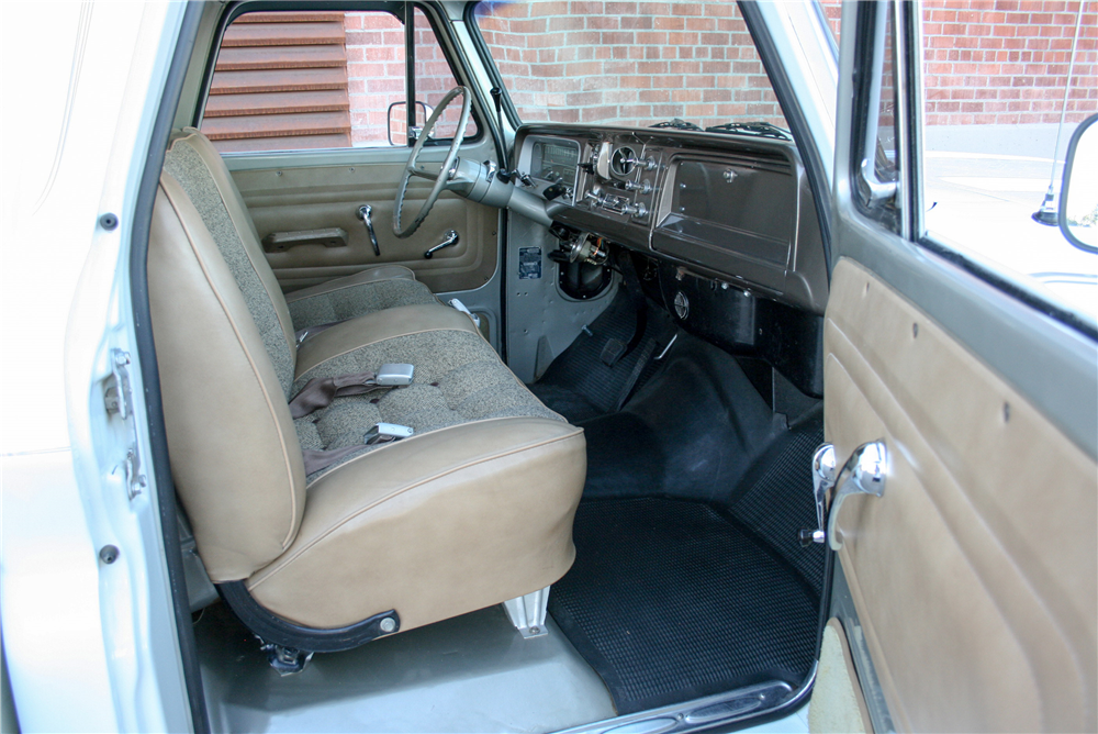 1966 CHEVROLET STAKEBED - Interior - 189990