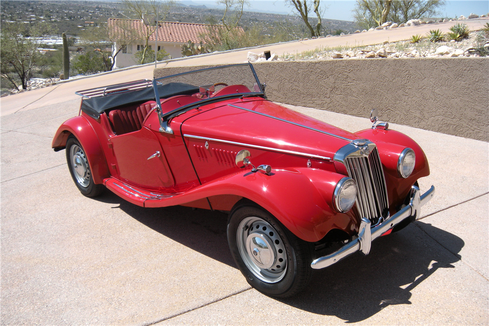 1954 MG TF ROADSTER - Front 3/4 - 190004