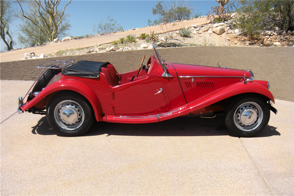 1954 MG TF ROADSTER - Side Profile - 190004
