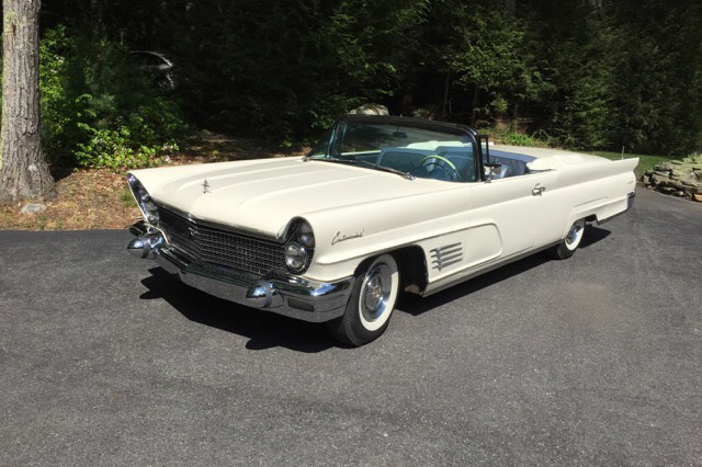 1960 LINCOLN CONTINENTAL CONVERTIBLE - Front 3/4 - 190005