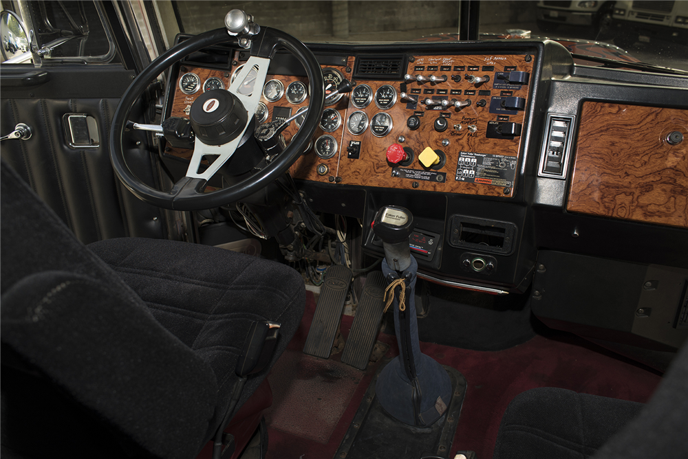 "1992 PETERBILT 379 ""TRANSFORMERS OPTIMUS PRIME"" STUNT TRUCK - Interior - 190024"