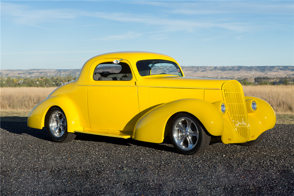 1936 OLDSMOBILE F-36 CUSTOM COUPE - Front 3/4 - 190026