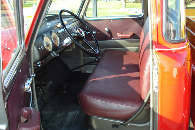 1949 GMC 100 5-WINDOW PICKUP - Interior - 190031