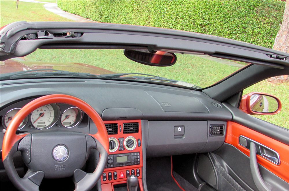 2000 MERCEDES-BENZ SLK230 ROADSTER - Interior - 190051
