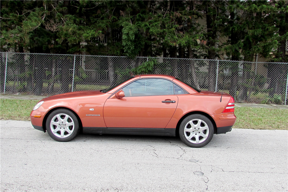 2000 MERCEDES-BENZ SLK230 ROADSTER - Side Profile - 190051
