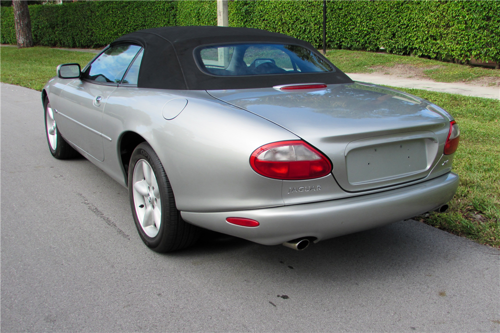 1999 JAGUAR XK8 CONVERTIBLE - Rear 3/4 - 190058