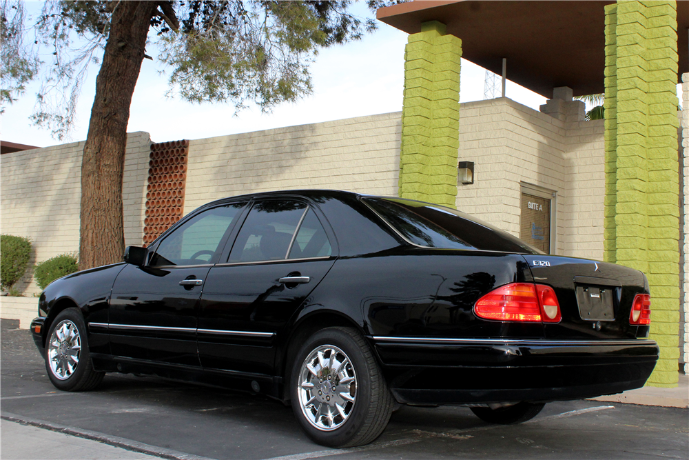 1997 MERCEDES-BENZ E320 4-DOOR SEDAN - Rear 3/4 - 190075